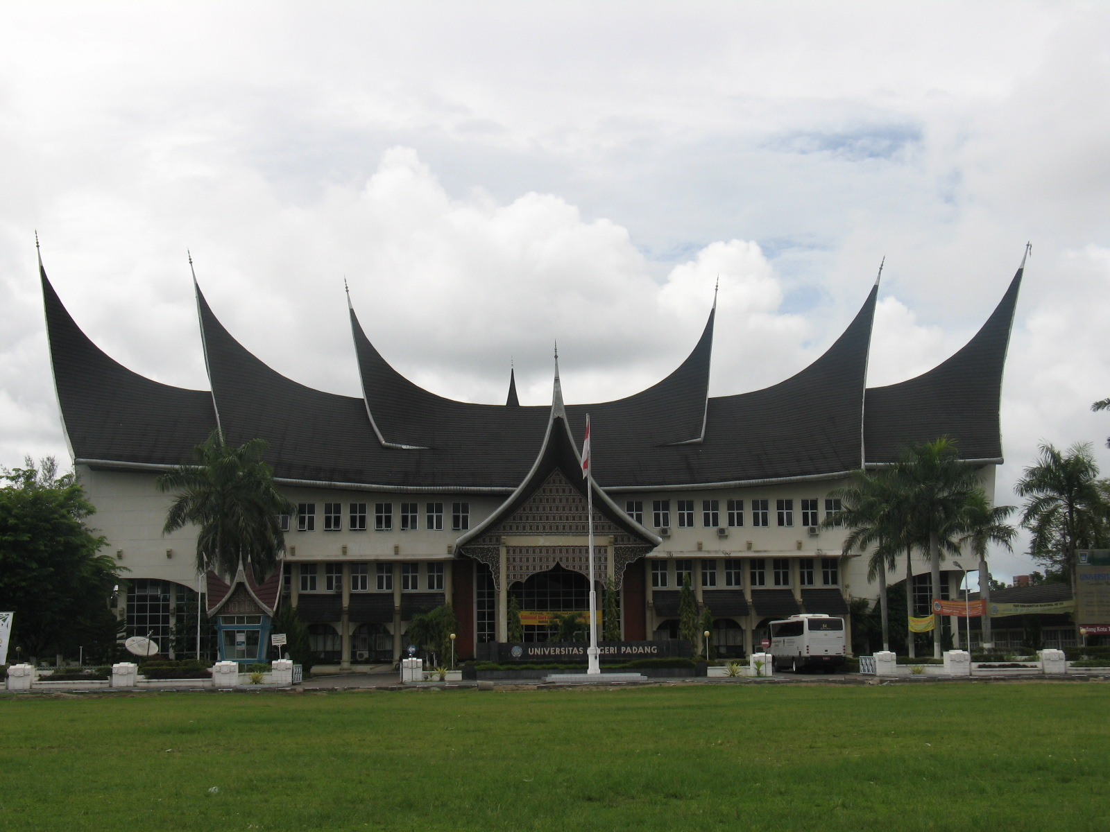 Loker Padang Lowongan Kerja Bp Indonesia Loker Cpns Bumn November 2015 171; Info Unp