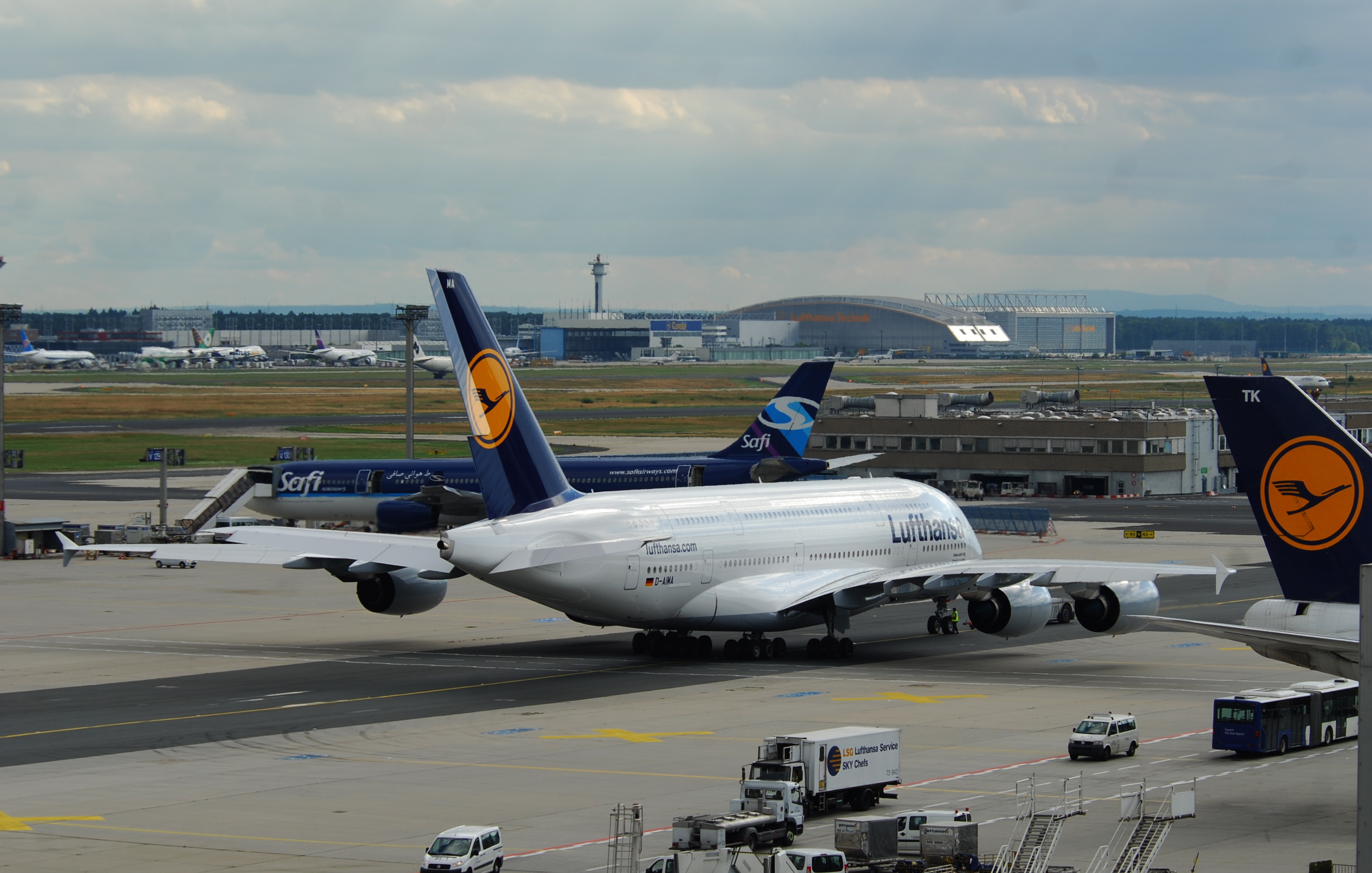 Boston Hd Wallpaper File Lufthansa Airbus A380 800 D Aima Fra 08 08 2010