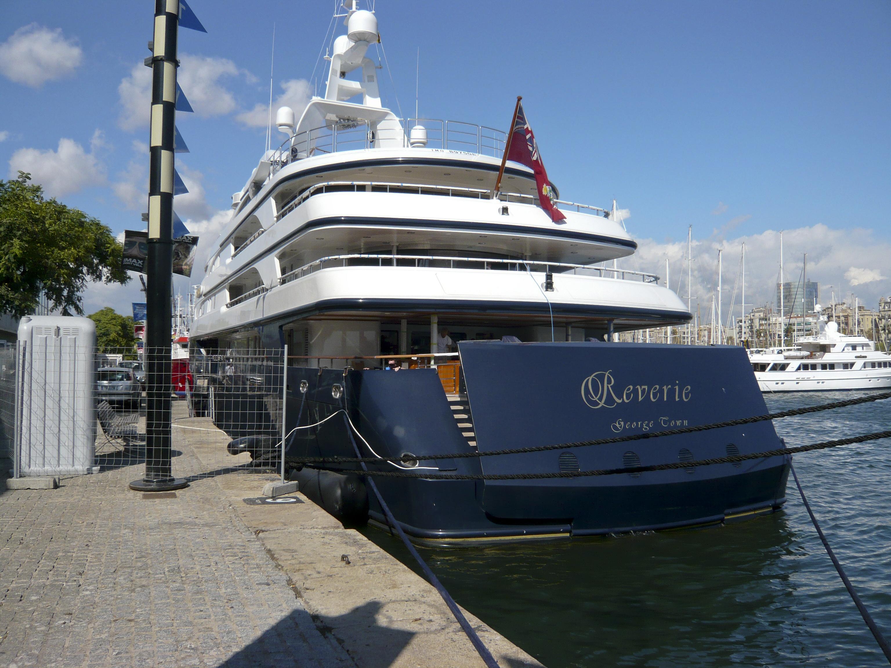 motor yacht reverie