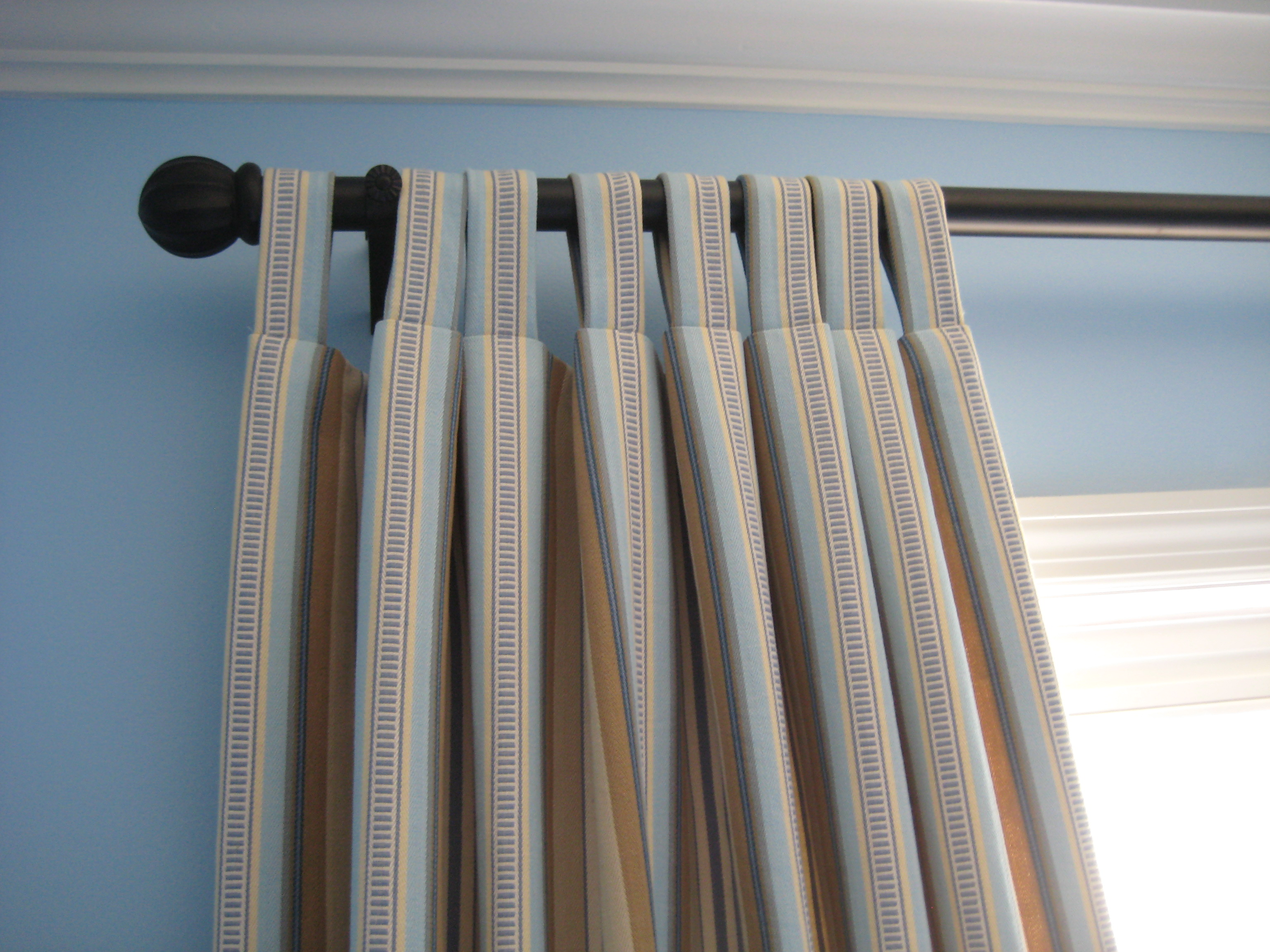Tab Top Curtain File Striped Tab Top Curtains Jpg Wikimedia Commons