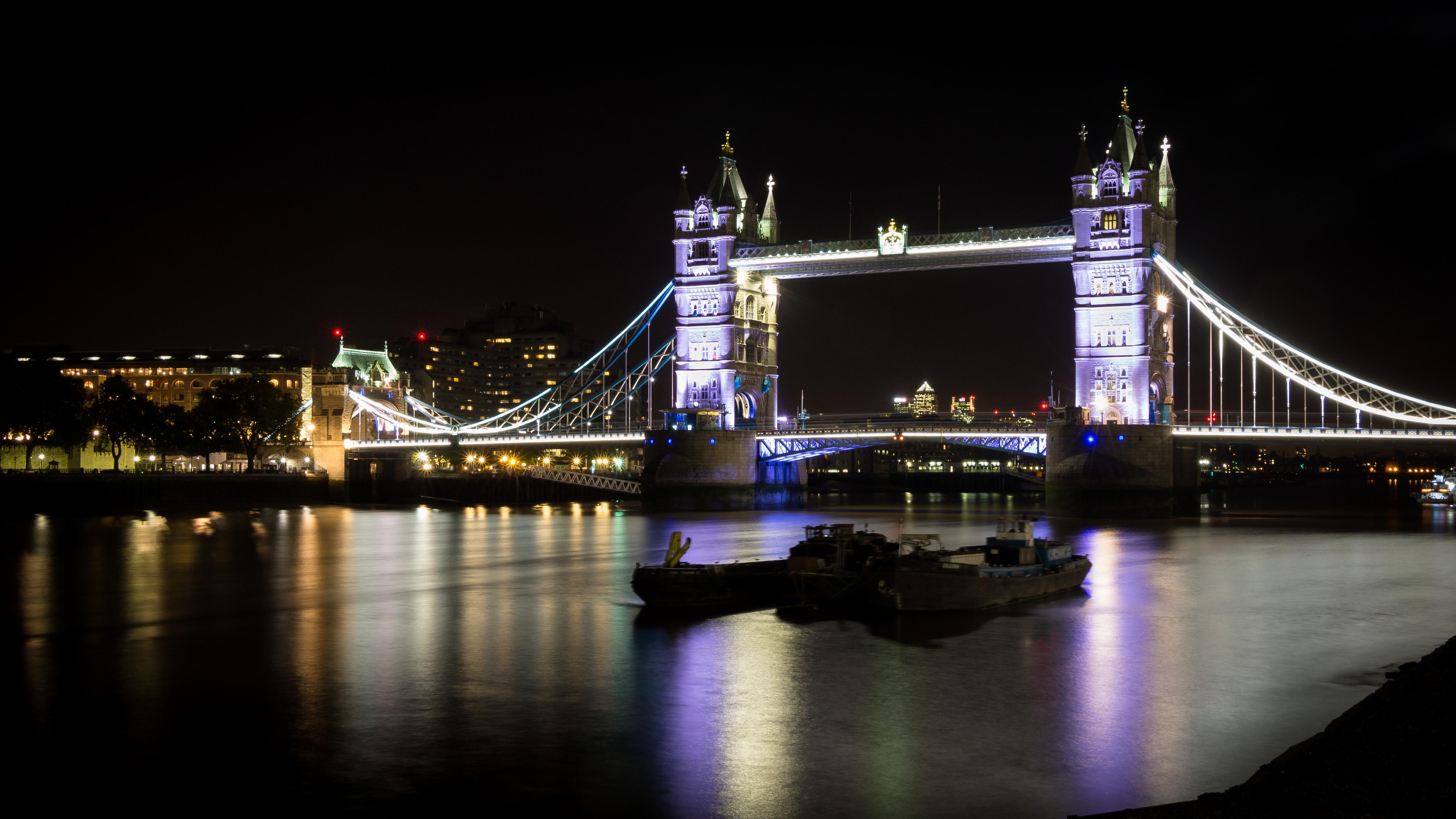 Paint Falling Wallpaper Tower Bridge