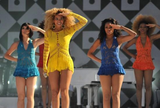Description Beyoncé Knowles GMA Run the World.jpg