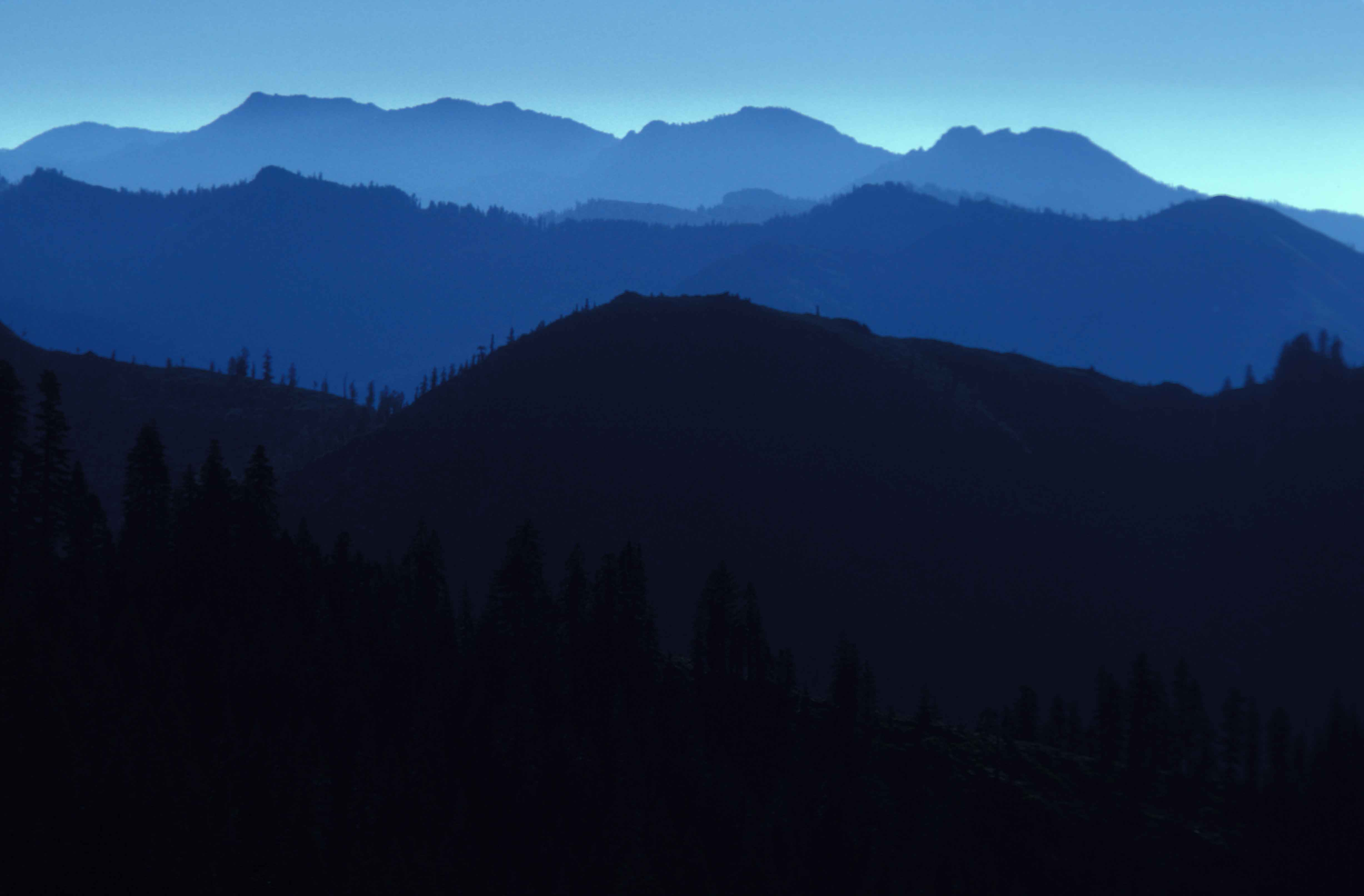 Free Landscape Wallpaper Hd File View Of Mountains In Silhouette In The Marble