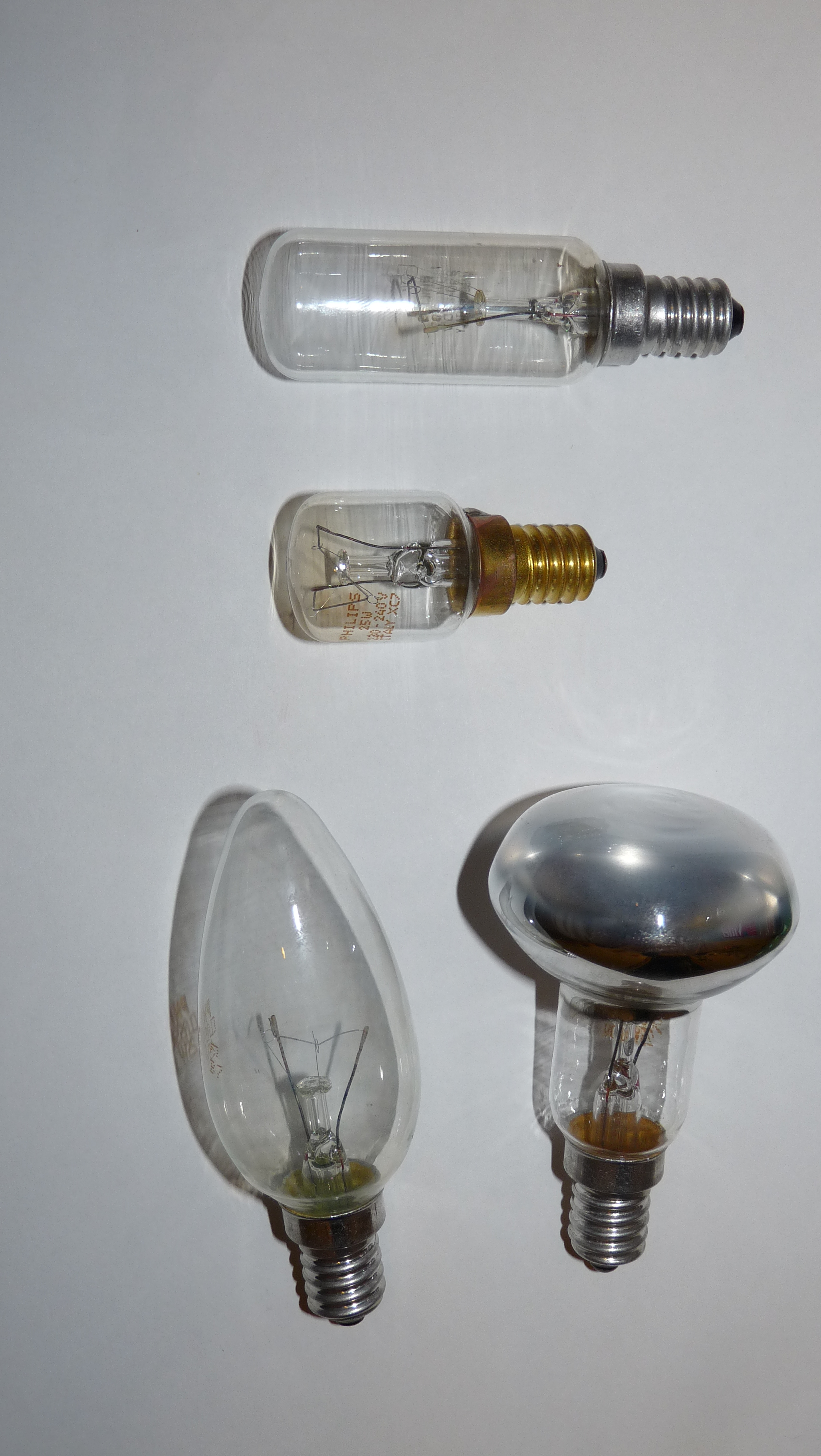 File Philips Light Bulbs With Edison Screw Jpg Wikimedia Commons