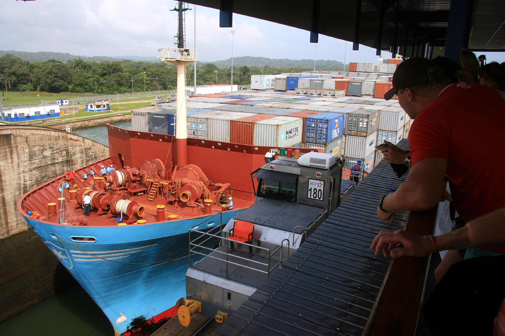 Container Haus Software File Container Ship Entering Panama Canal Jpg Wikimedia Commons