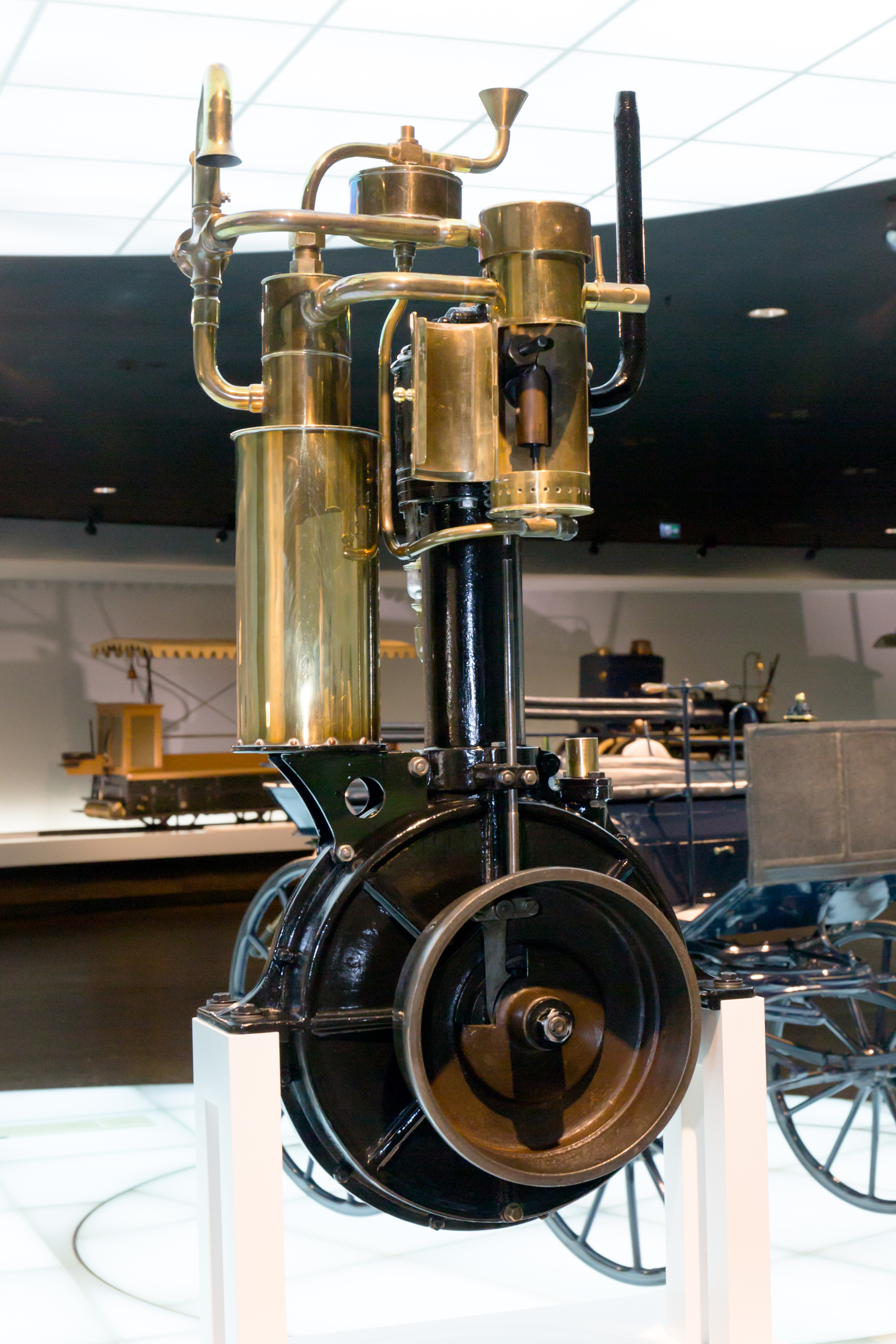 Standuhr Digital File Daimler Standuhr Engine 2 Mercedes Benz Museum Jpg