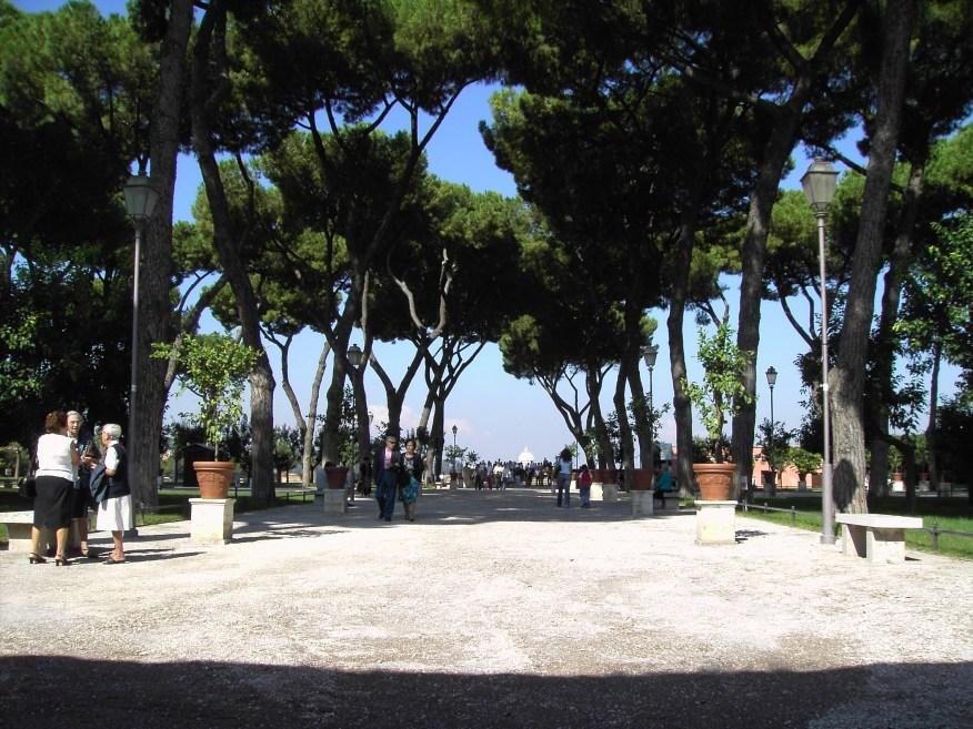 http://i0.wp.com/upload.wikimedia.org/wikipedia/commons/e/e3/Ripa_-_giardino_degli_aranci_01.JPG?resize=876%2C657&ssl=1