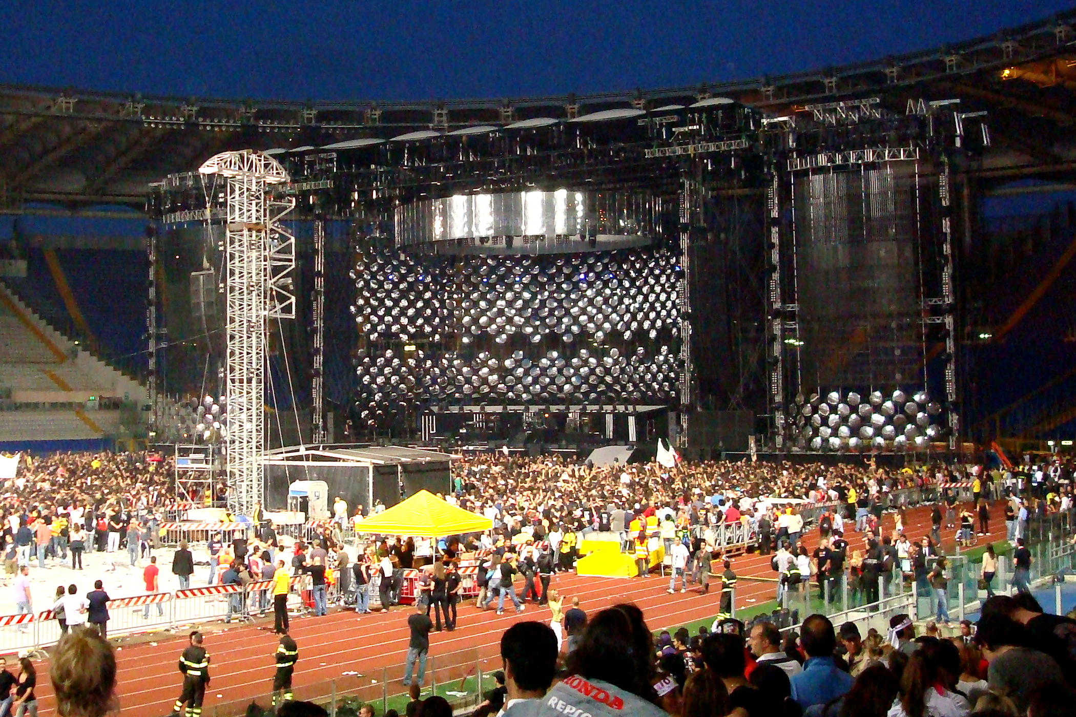 Data Concerto Vasco File Vasco08olimpico Jpg Wikimedia Commons