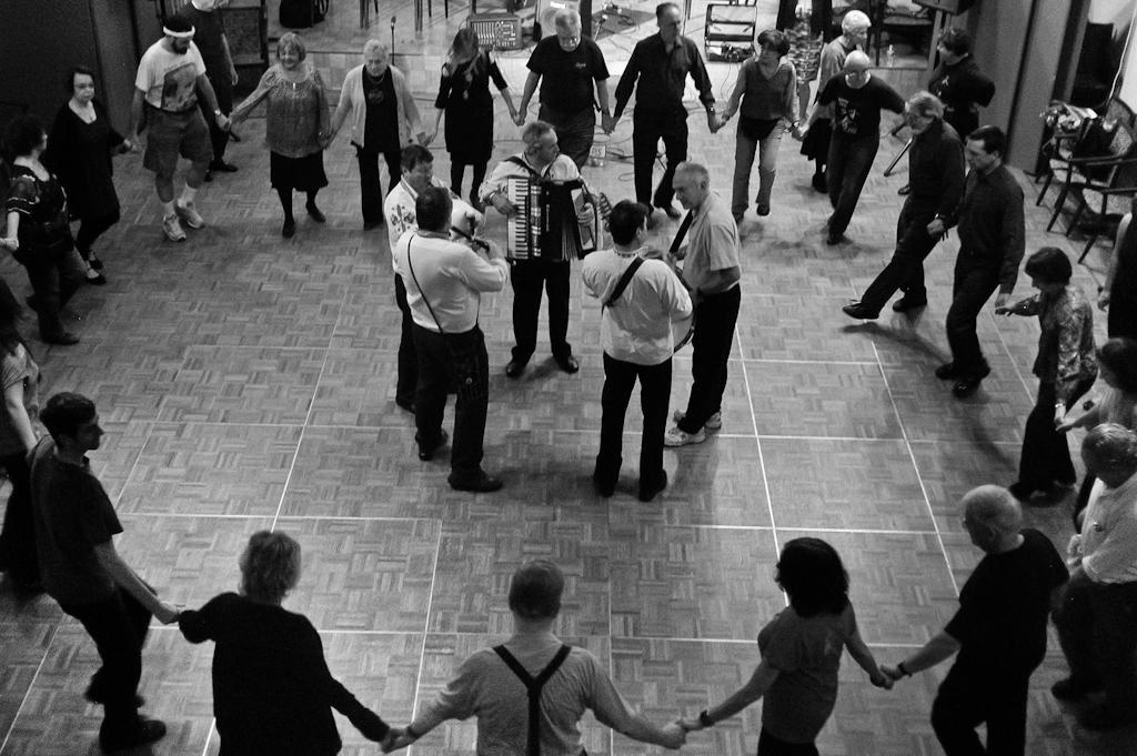 Bulgarian wedding music - Wikipedia