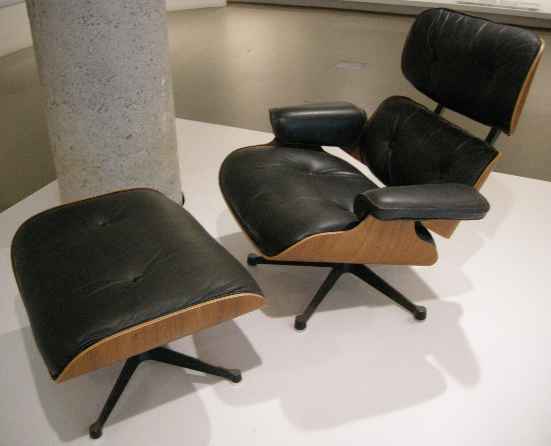 James Eames Lounge Chair File:ngv Design, Charles Eames And Herman Miller, Lounge ...