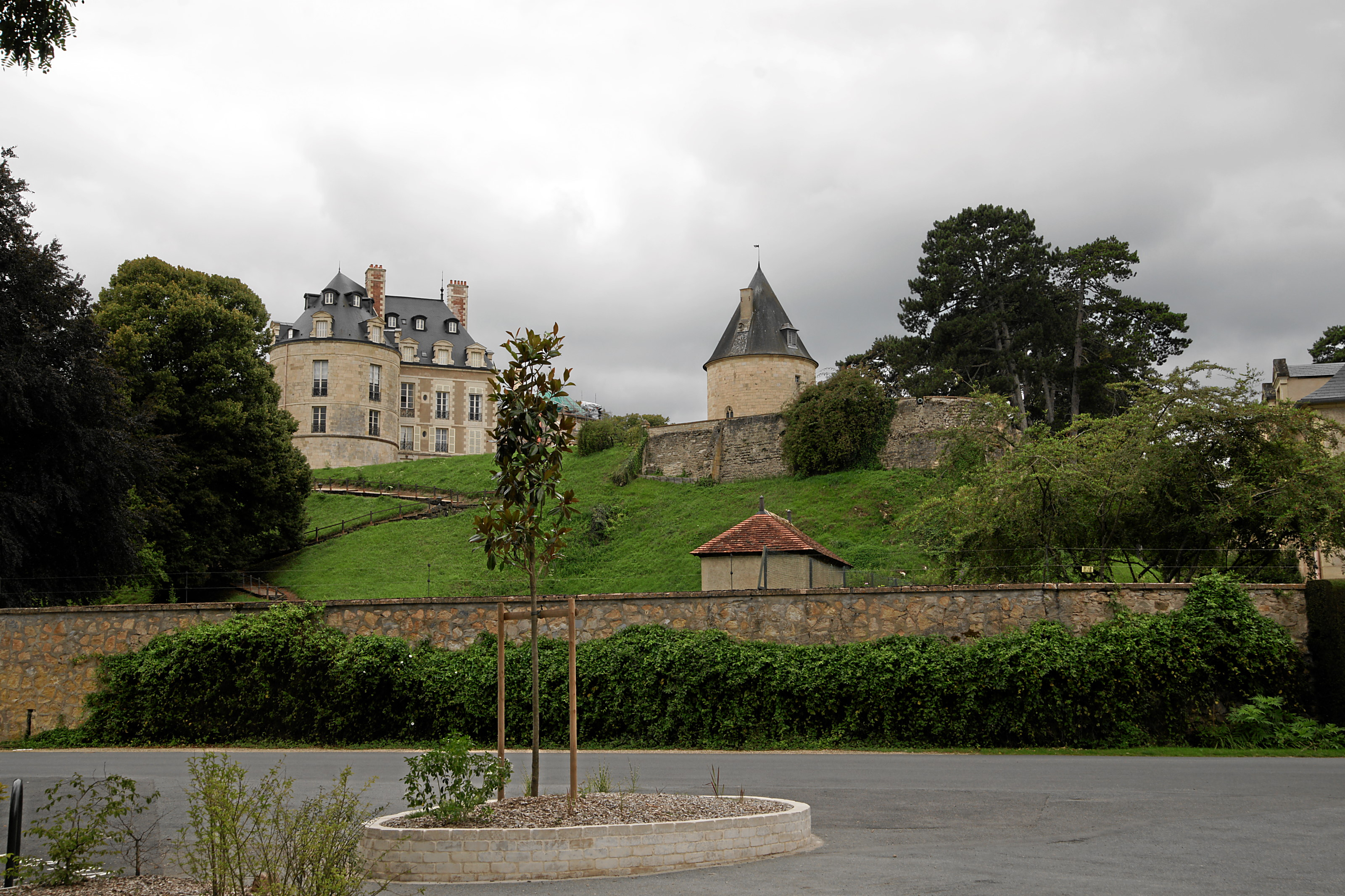 Apremont Sur Allier Chateau File Apremont Chateau Jpg Wikimedia Commons