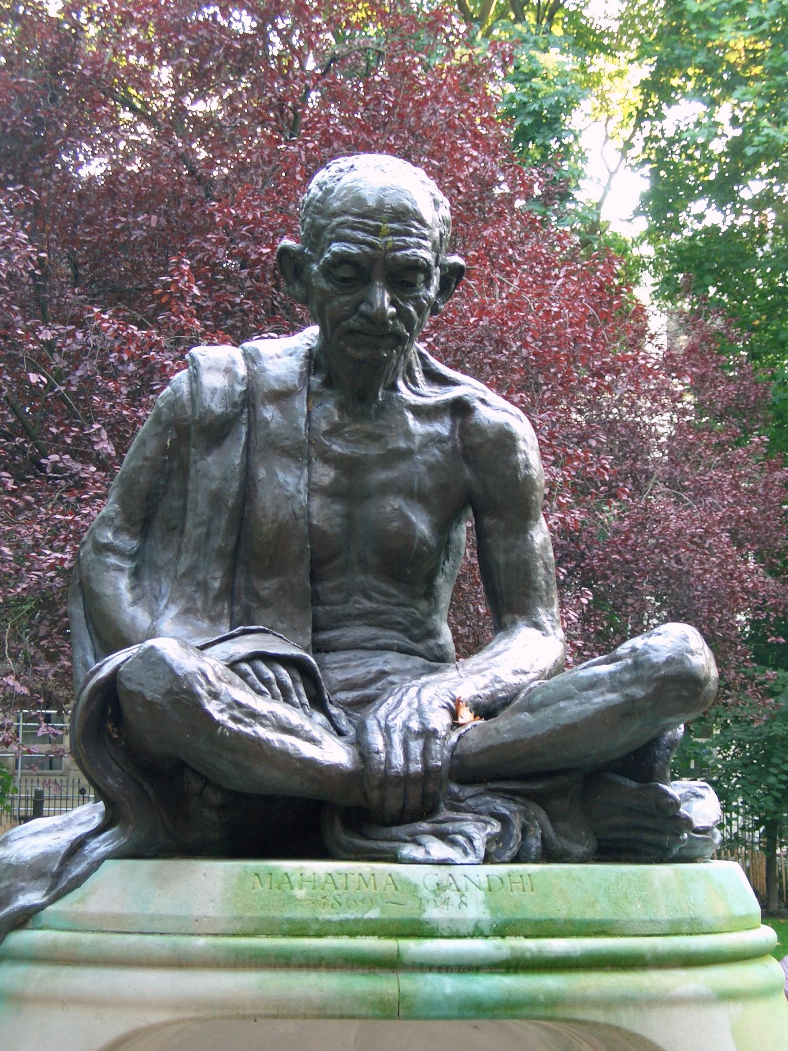 Google Wallpaper Hd File Gandhi Statue Tavistock Sq London Jpg Wikimedia