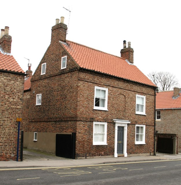 File:18Th Century House, Front Street - Geograph.Org.Uk - 1180205
