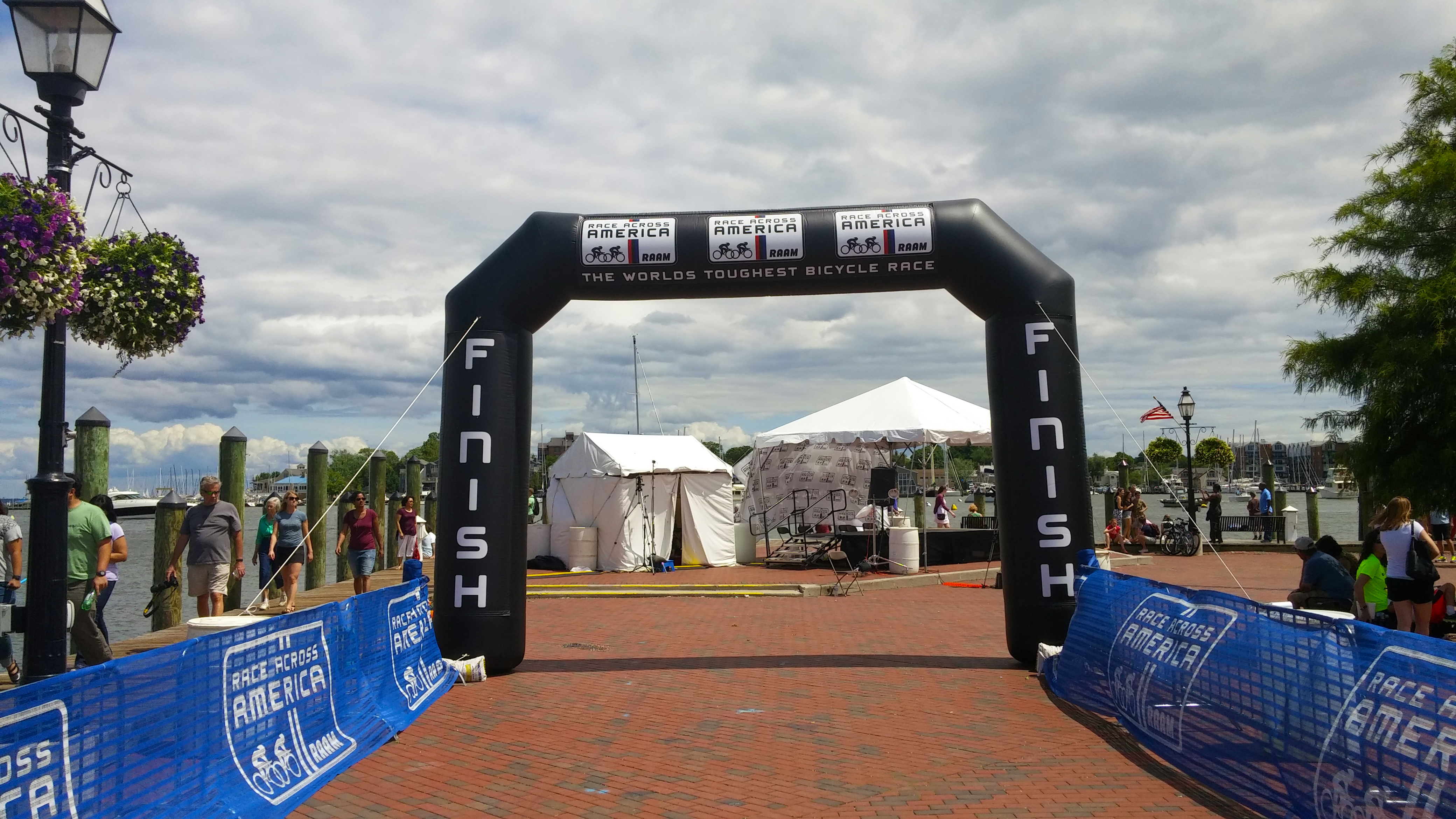 De Raam Of Het Raam File Raam 2015 Finish Line In Annapolis Md By D Ramey Logan Jpg