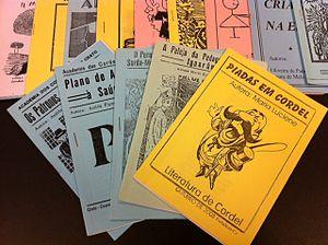 Français : Echantillon de différents fascicule...