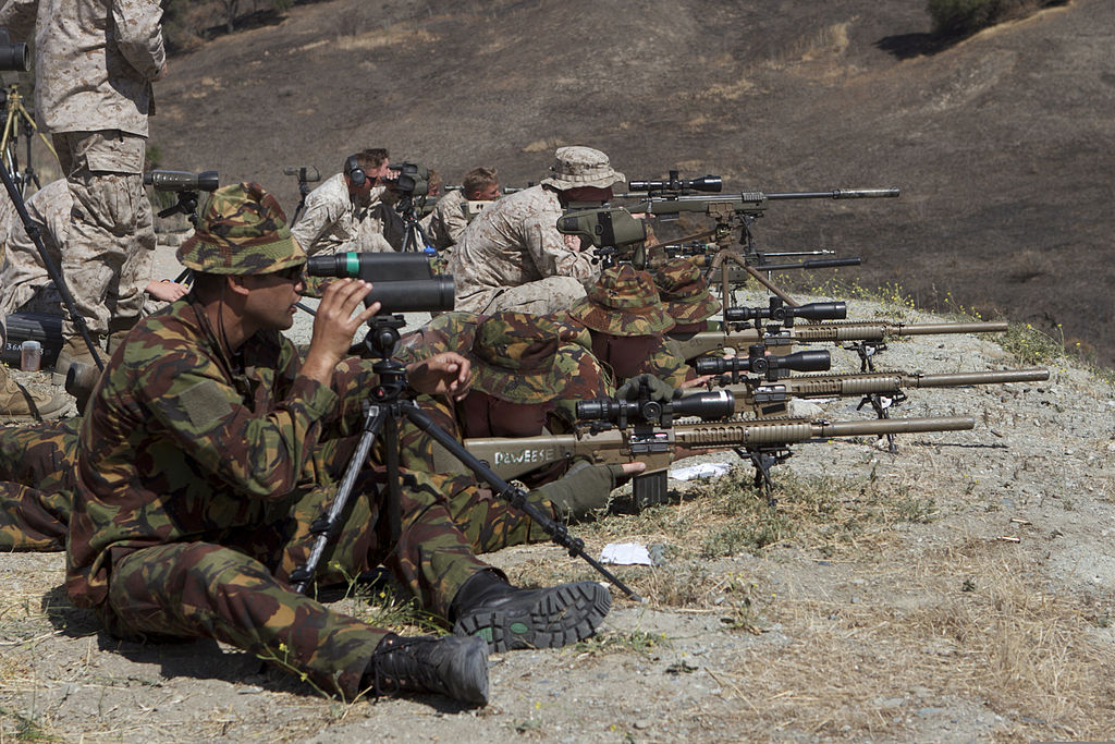 FileUS Marine Corps scout snipers with the 1st Reconnaissance