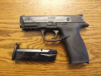 English: A Smith & Wesson Military & Police ha...