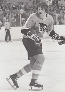 Schultz playing for the Philadelphia Flyers