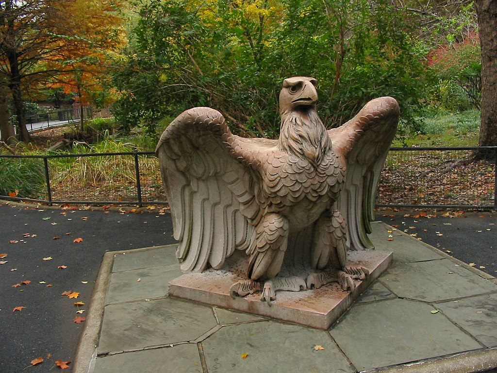 One Roof File:eagle Statue - National Zoo - Washington, Dc.jpg