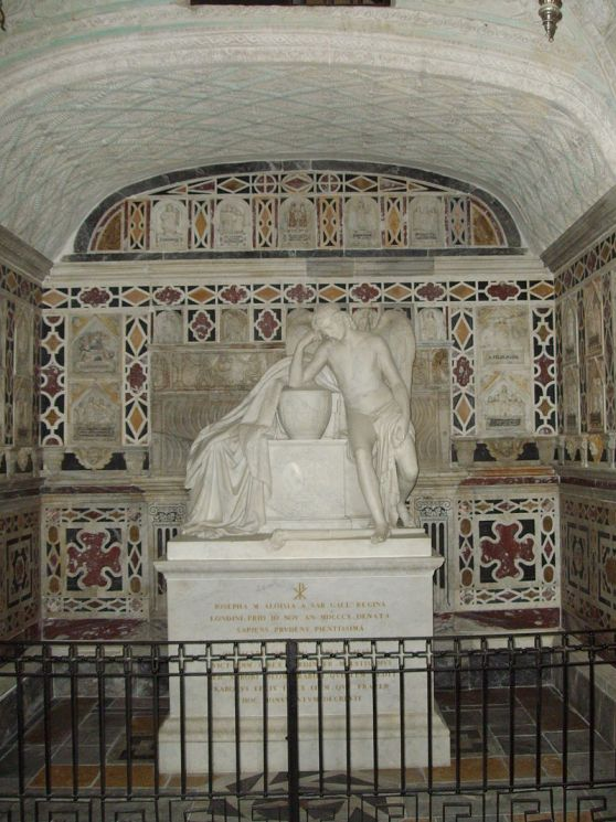Tomb of Marie Therese. photo by Giova81 - Own work, CC BY-SA 3.0, https://commons.wikimedia.org/w/index.php?curid=3880082