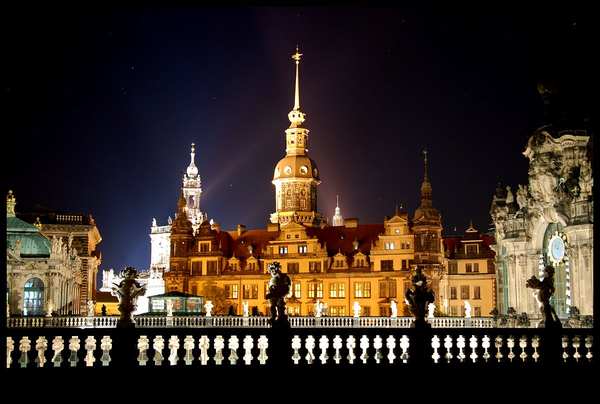 Royal Palace Dresden Castle - Wikipedia