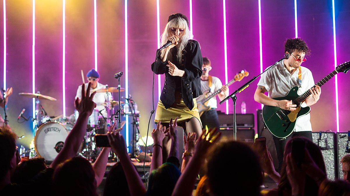Falling Images Live Wallpaper Paramore Wikipedia