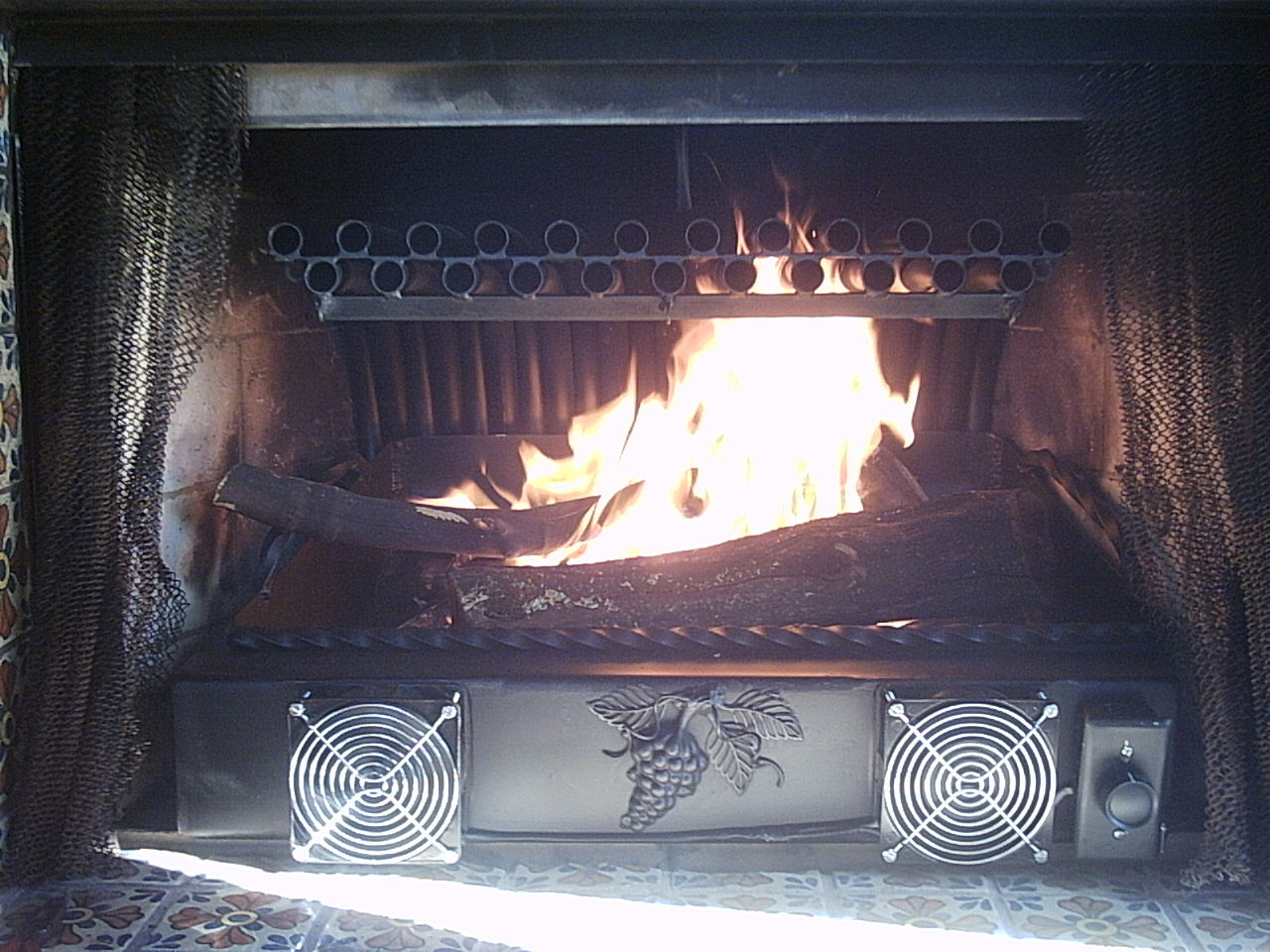 Fireplace Grate Blowers Wood Burning File 2 Row Grate Heater With Ash Tray Jpg Wikimedia Commons