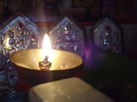 Oil lamp - Simple English Wikipedia, the free encyclopedia