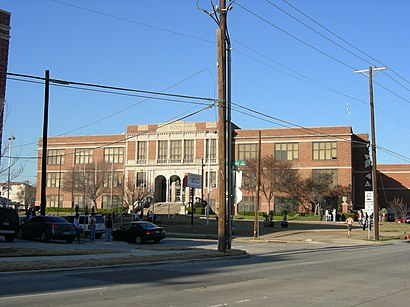 How to get to North Dallas High School in Dallas / Fort Worth by Bus