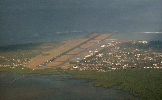 English: Birds View of Denpasar Airport, Bali,...