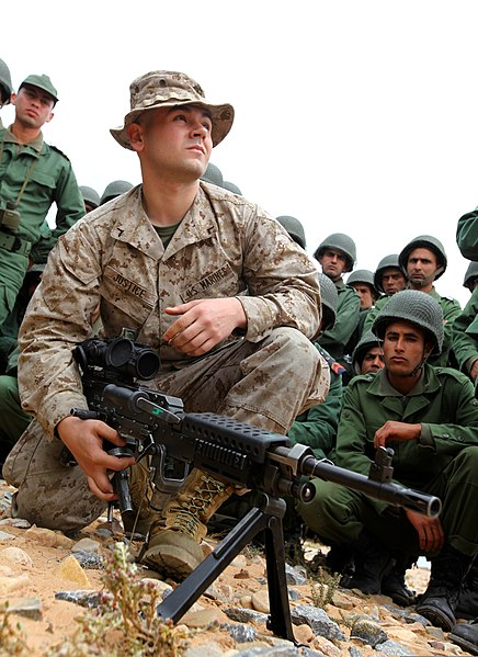 FileUS Marine Corps Pfc William Justice, a machine gunner with