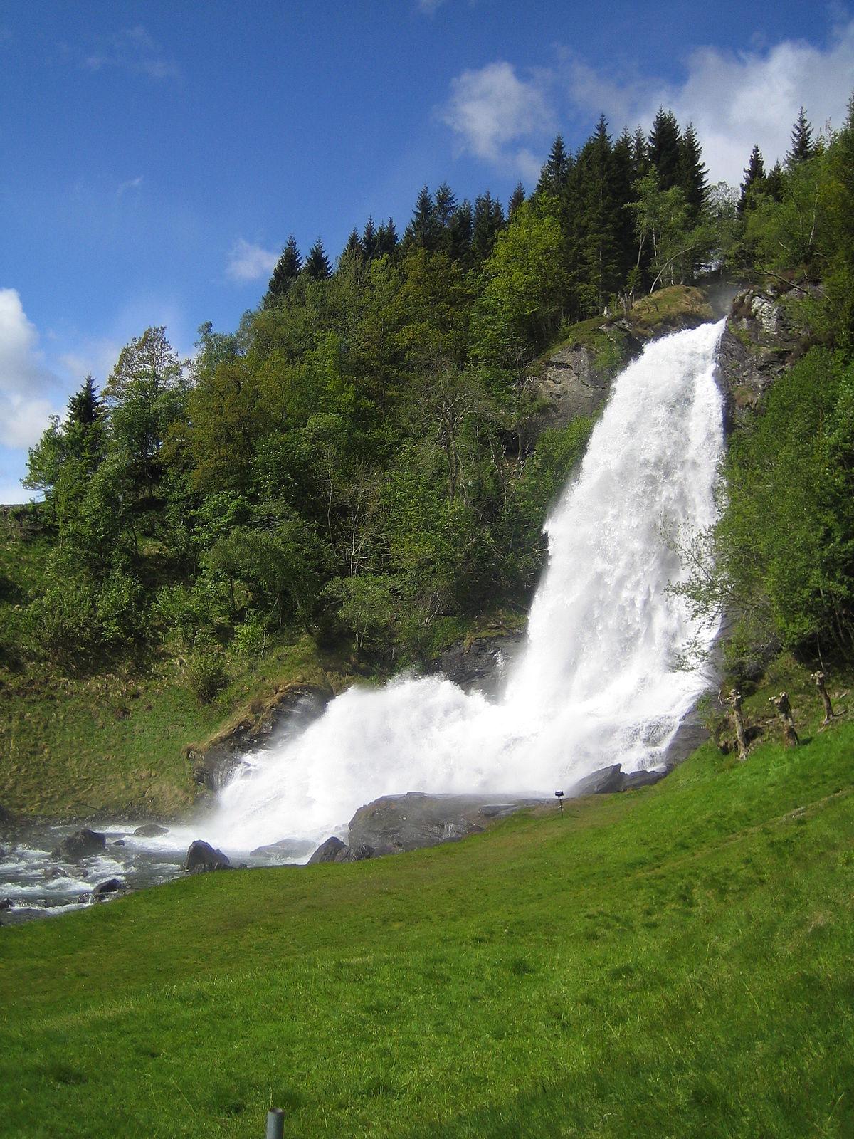 Fall Waterfall Wallpaper Hd Steinsdalsfossen Wikipedia