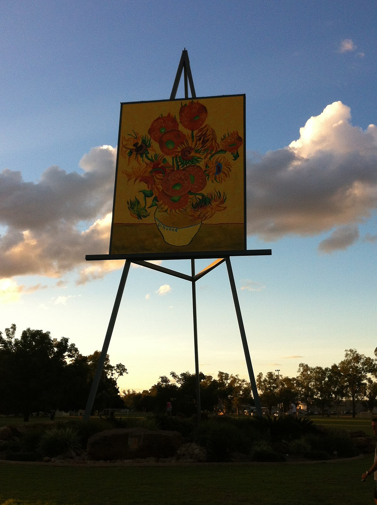 Artist Easel Australia The Big Easel Emerald Central Queensland Wikipedia