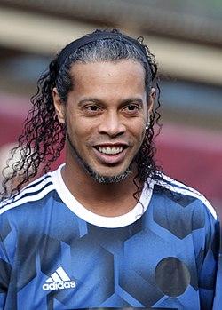 Fluminense Wallpaper Girl Ronaldinho Ga 250 Cho Wikip 233 Dia A Enciclop 233 Dia Livre