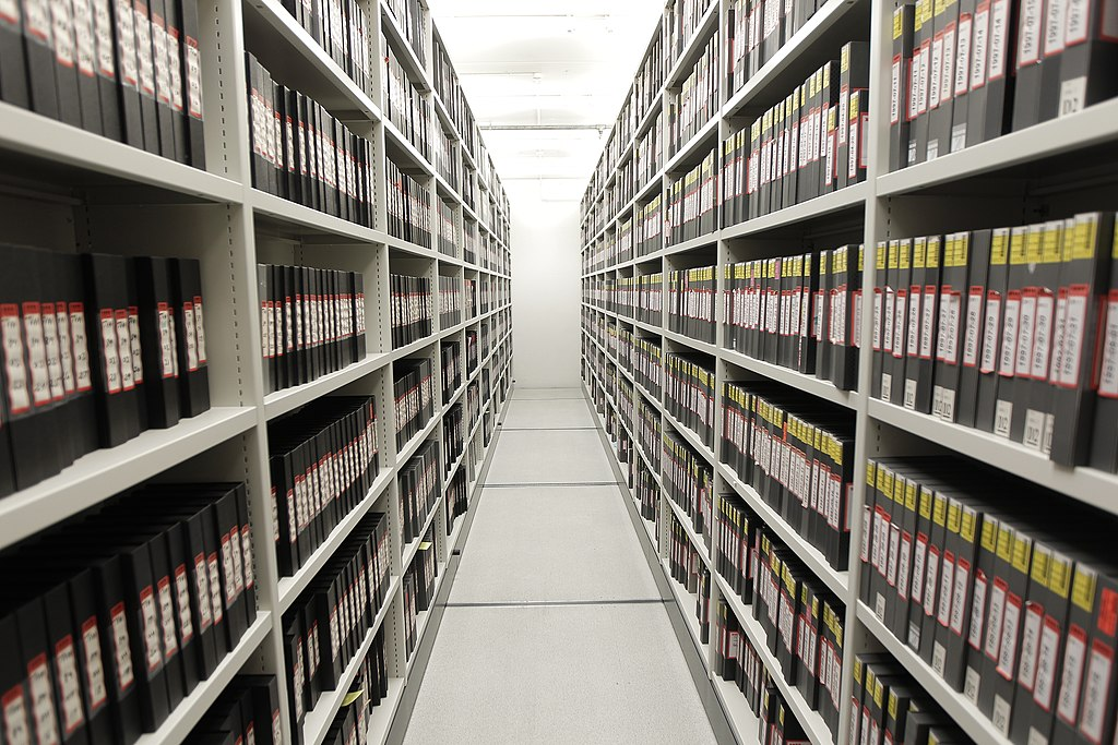 FileVideo tape archive storage (6498637005)jpg - Wikimedia Commons