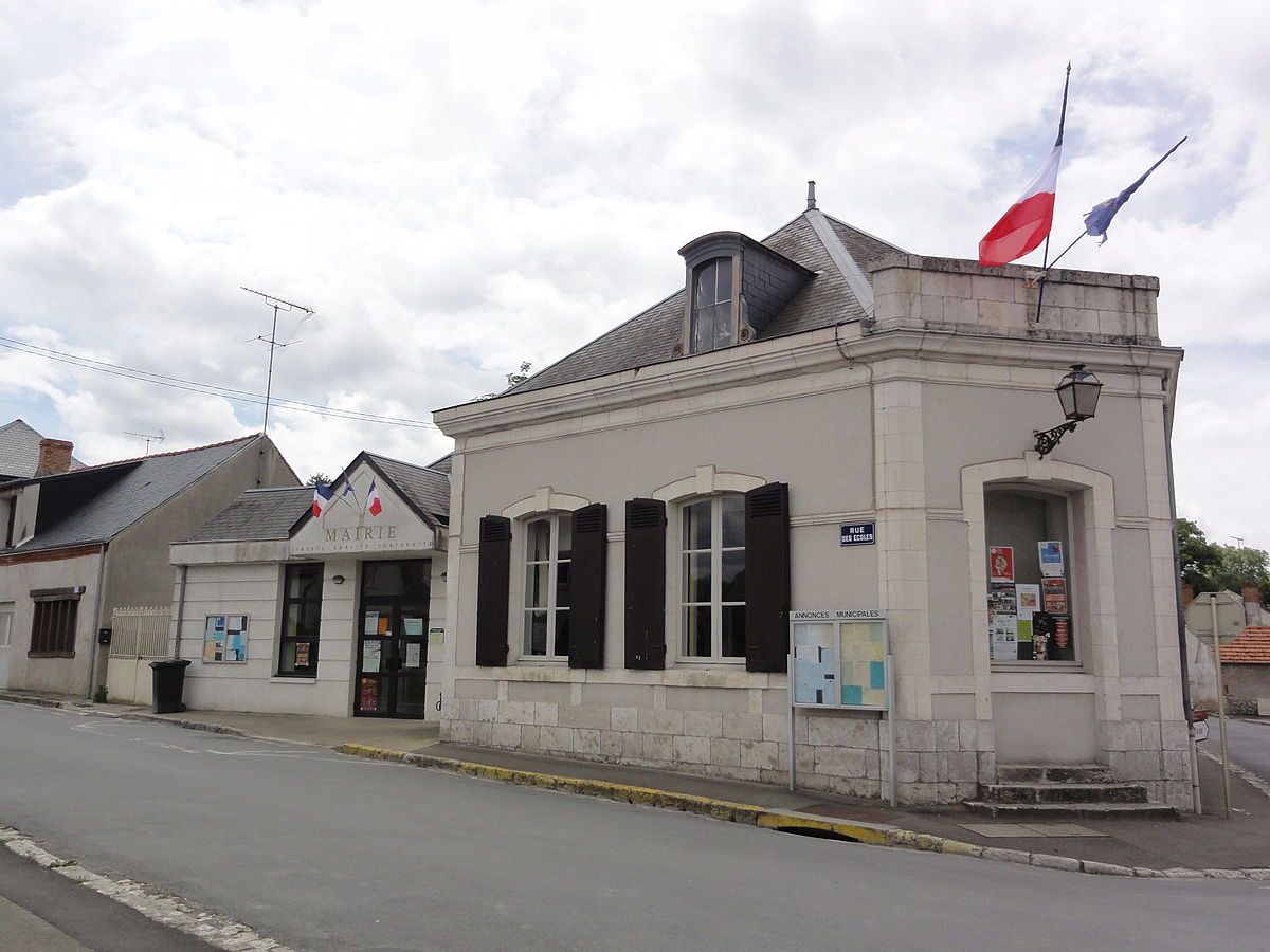Les 3 Cheminées Lailly En Val Lailly En Val Wikipédia
