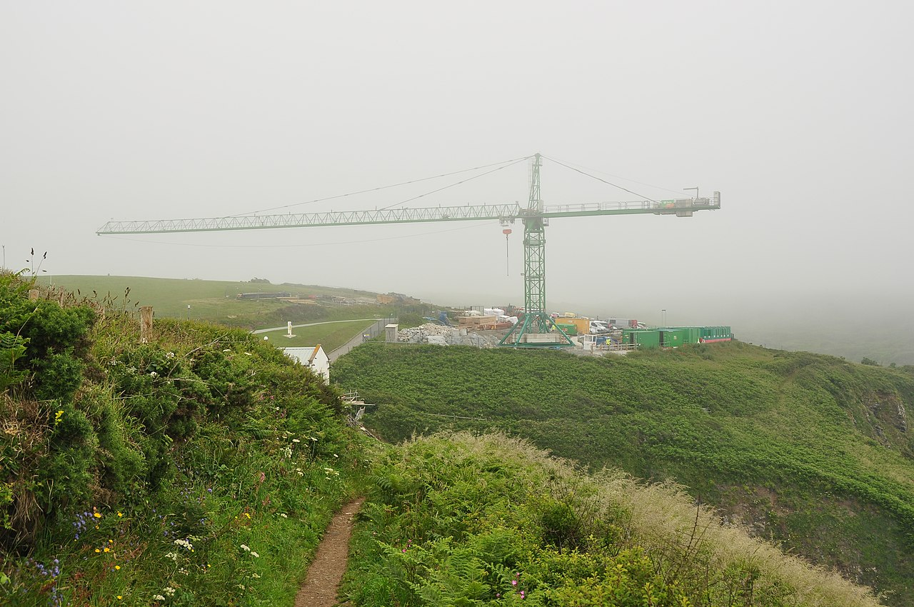 File crane at the lizard lifeboat station 8205 jpg