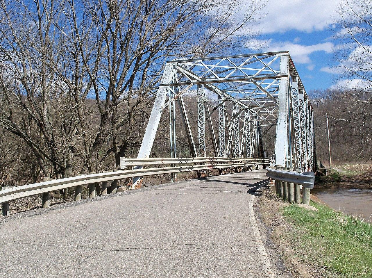 One lane bridge over yellow creek on county road 53