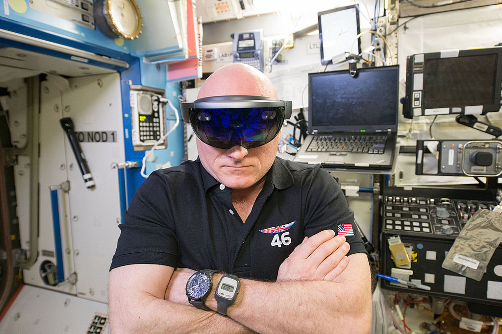 FileISS-46 Scott Kelly with HoloLens in the Destiny labjpg