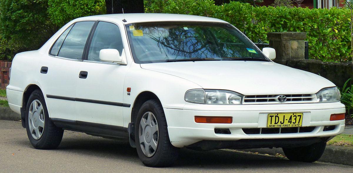 Toyota Camry (XV10) - Wikipedia
