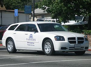 English: A Dodge Magnum in the livery of Farme...