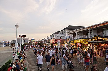 English: The boardwalk of Ocean City, Maryland