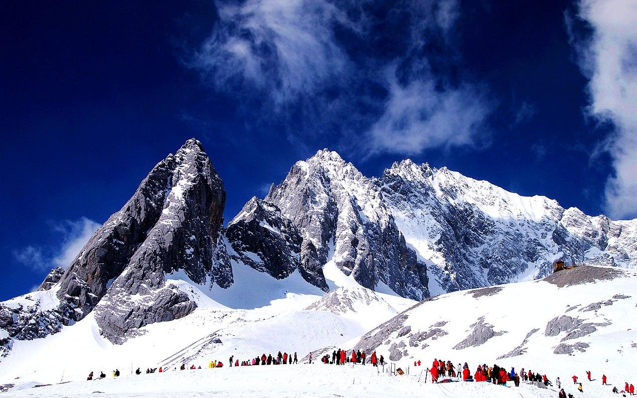 400 800 Hd Wallpaper File 玉龙雪山 Jade Dragon Snow Mountain Panoramio Jpg