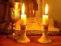 Shabbat candles - Wikipedia