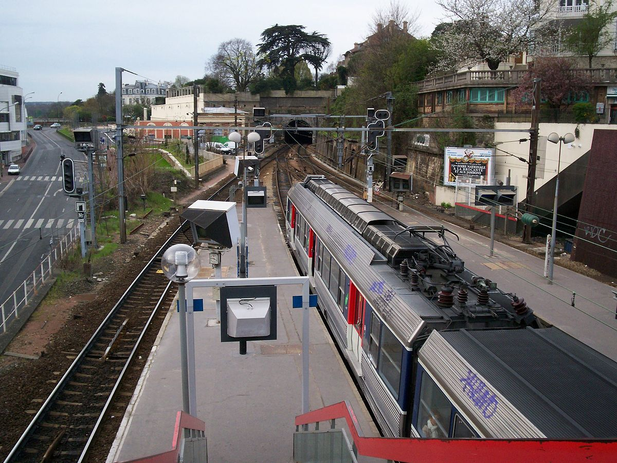 Photo Verriere Saint-cloud Station - Wikipedia