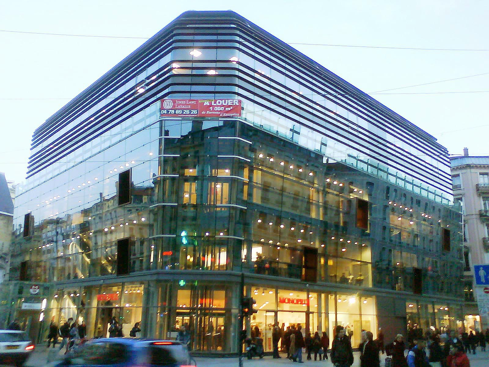Magasin Metro Lyon Monoprix One Of The Biggest Supermarket In France Want To