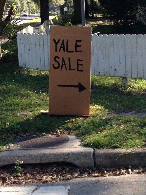 yard sale sighns