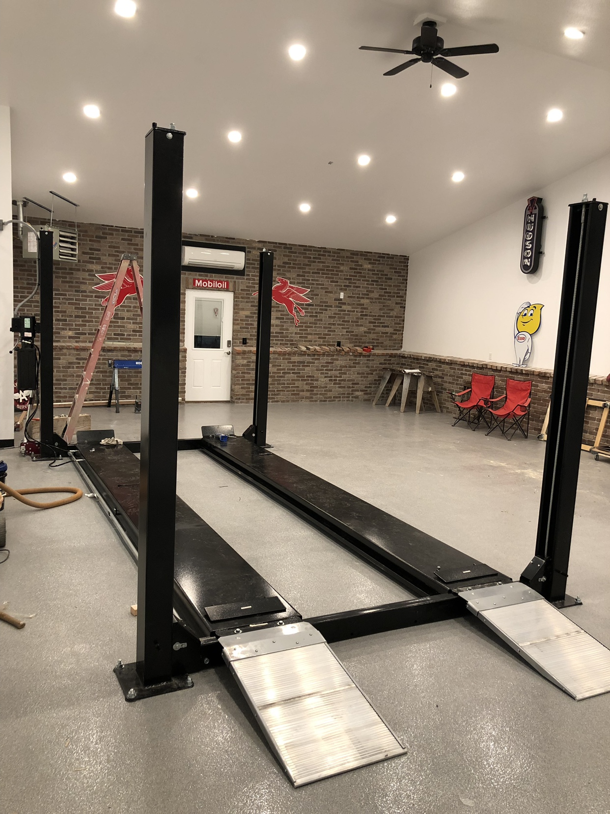 Garage gym man cave transforming your basement into a man cave