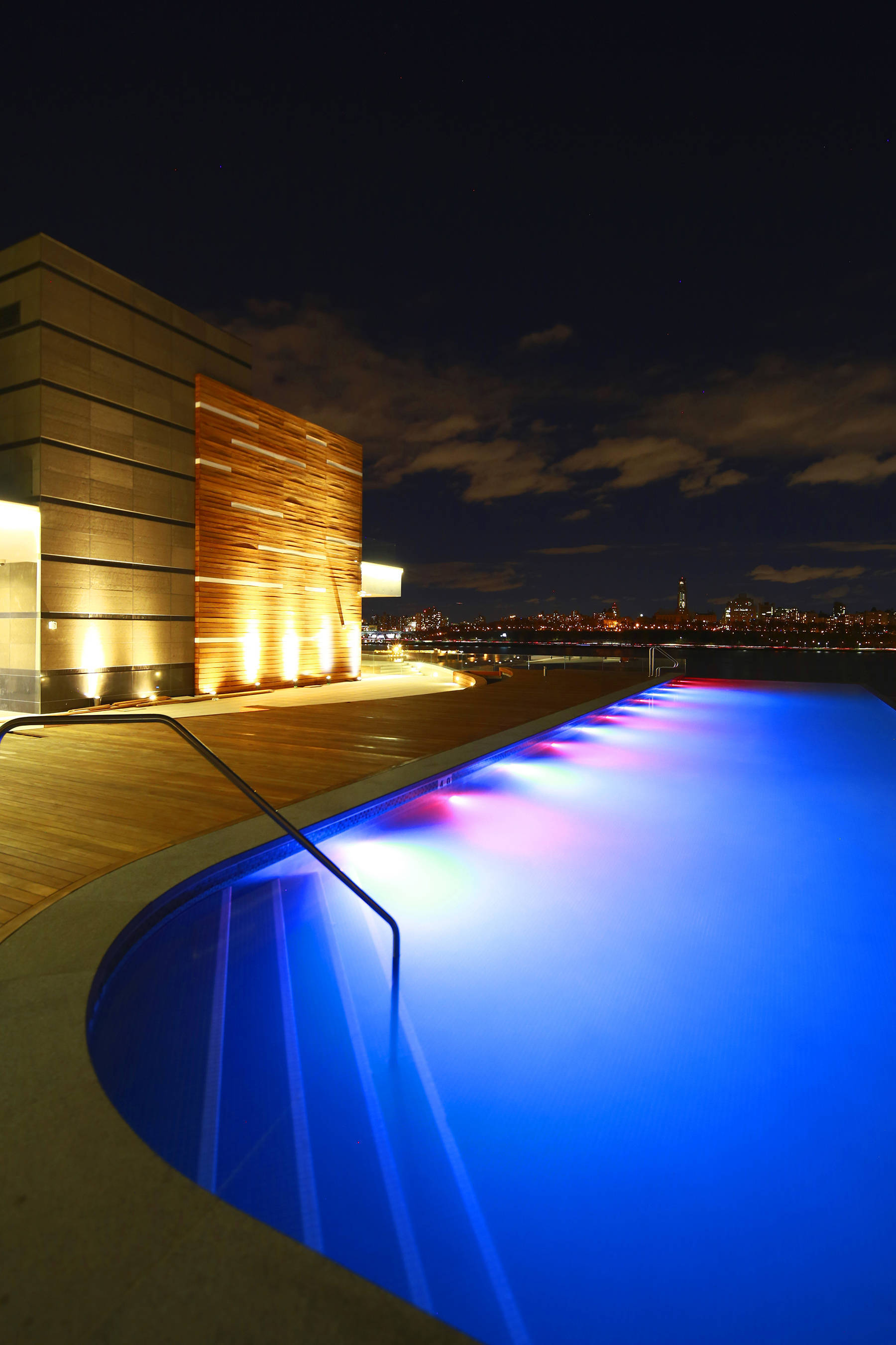 Sojo Spa Nj Groupon Spa Rooftop Nj Check Out The New Midtown Spa With A Rooftop Hot