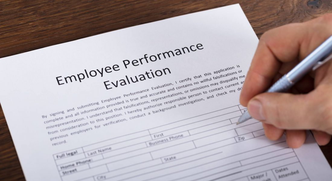 How To Conduct a Restaurant Employee Evaluation - Restaurant Insider - conduct employee evaluations